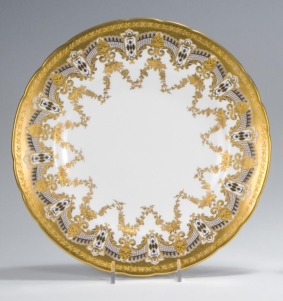Decorative Dinner Plates Beauteous 12 Royal Crown Derby Dinner Plates With Raised Paste Gold  Dinner Review